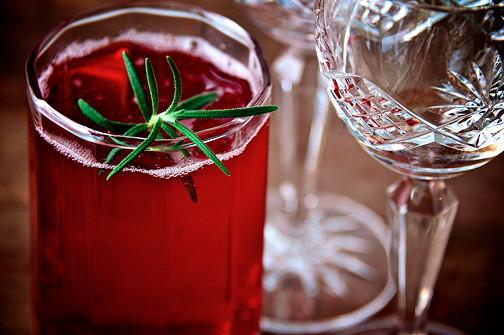 Sloe gin fizz 12