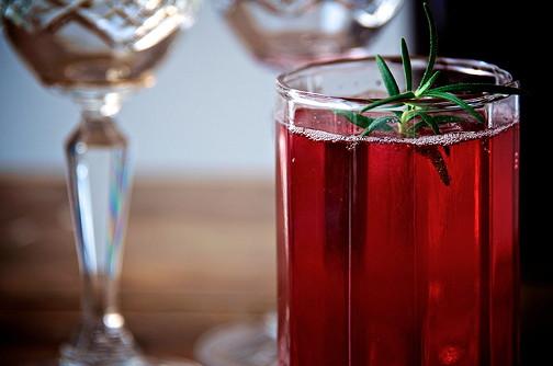 Sloe gin fizz 11